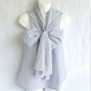 Ann Taylor Loft blouse, size XS, great condition.